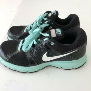 Nike Air Relentless Women's Shoes Size 7.5 Black
